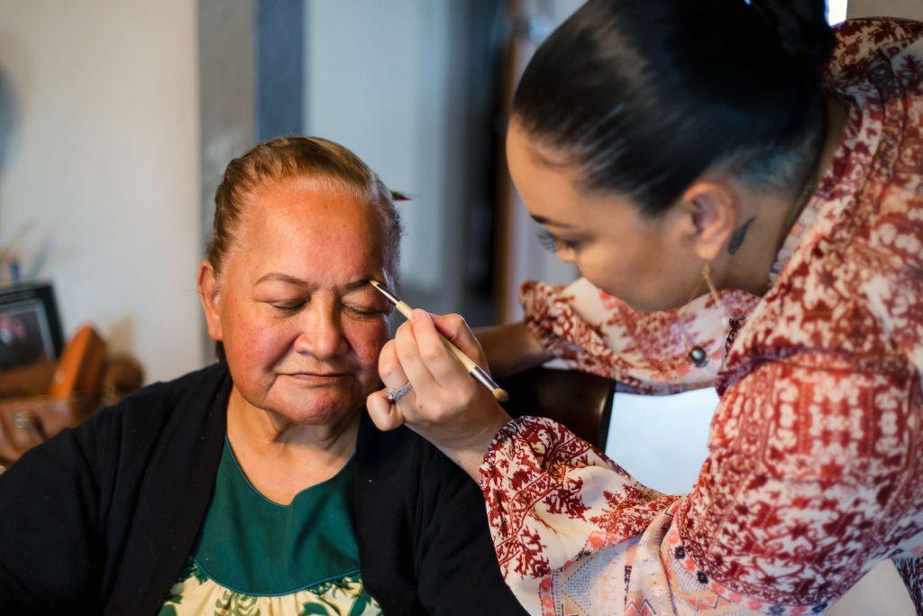 Hawaiian wedding make-up