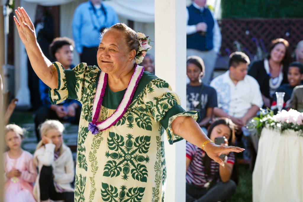 traditional hawaiian dancing at wedding